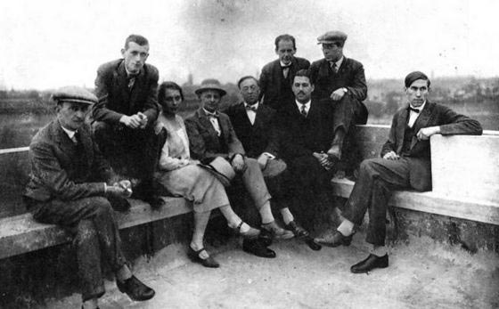 Wassily kandinsky photos the bauhaus masters on the for Marcel breuer biografia