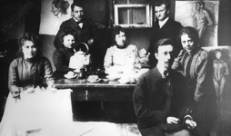 Painting class of Wassily Kandinsky at �Phalanx� painting school in Munich, 1902